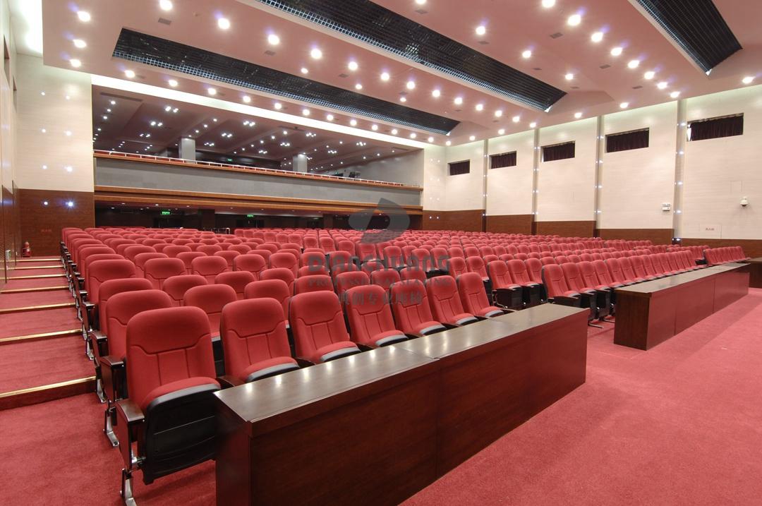 工程案例 红色沙发礼堂椅
