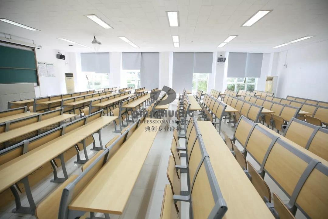 工程案例 联排学生课桌椅