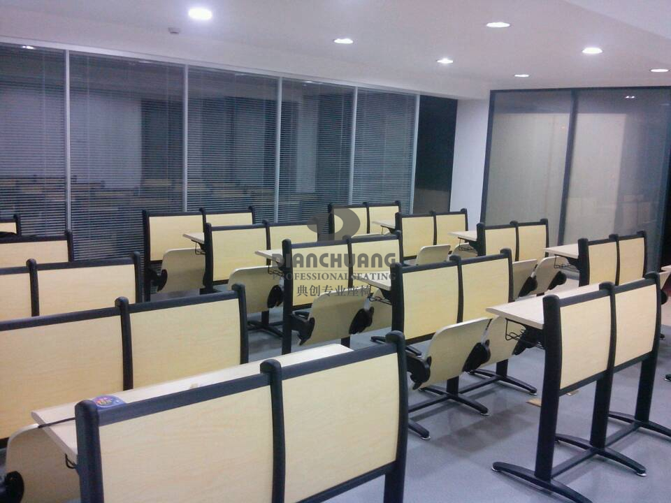 上海联通公司铝合金课桌椅项目